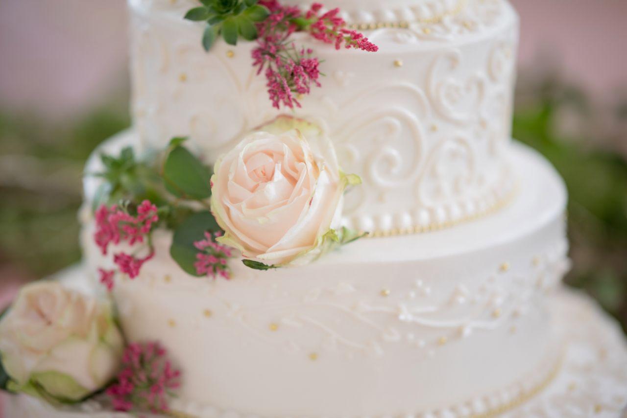 Ogromny Jak wybrać i podać tort weselny? - Ślub Pełen Miłości FM51